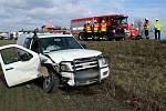 Při nehodě dvou aut u Měnína se zranilo pět lidí.