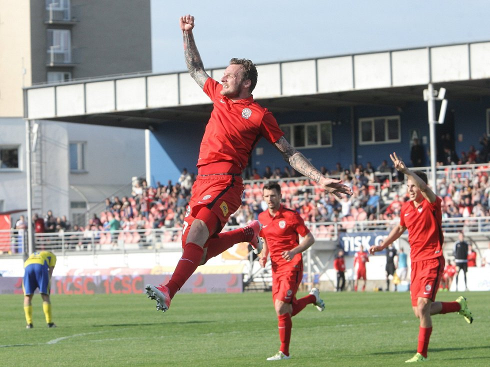 Fotbalisté Zbrojovky zvládli důležité domácí utkání 26. kola nejvyšší soutěže a zdolali Zlín 2:0.