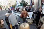 Ústavní soud jedná o Lisabonské smlouvě - demonstranti v centru Brna.