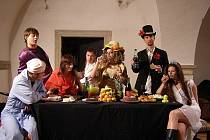 Divadelní soubor Emanuela Krumpáče nazkoušel čtrnáct her.
