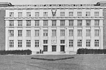 Státní policie gestapo sídlila v budově právnické fakulty.