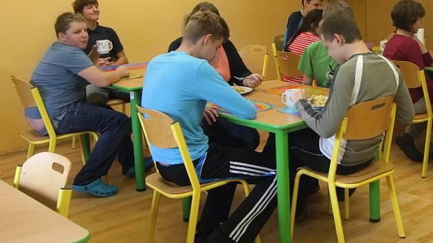 Až sto padesát míst nabídne v budoucnu autistům černovická základní škola ve Štolcově ulici po rozšíření do nových prostor bývalé knihovnické střední školy v brněnských Řečkovicích.
