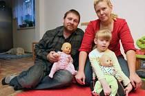 eronika Gožďálová od narození bojuje s dětskou mozkovou obrnou. Podle lékařů se nikdy neměla zvednout z postele, protože jí při porodu kvůli nedostatku kyslíku odumřely buňky v mozku.