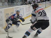 Hokejisté brněnské Komety si v desátém kole extraligy smlsli v repríze dubnového finále na Liberci, když zvítězili jasně 7:2.
