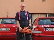 Hasič David Štoudek, který pomáhal při několika významných akcích: vyprošťování chlapců zpod budovy, utonulý ve Vranově, téměř utonulý na Hádech.