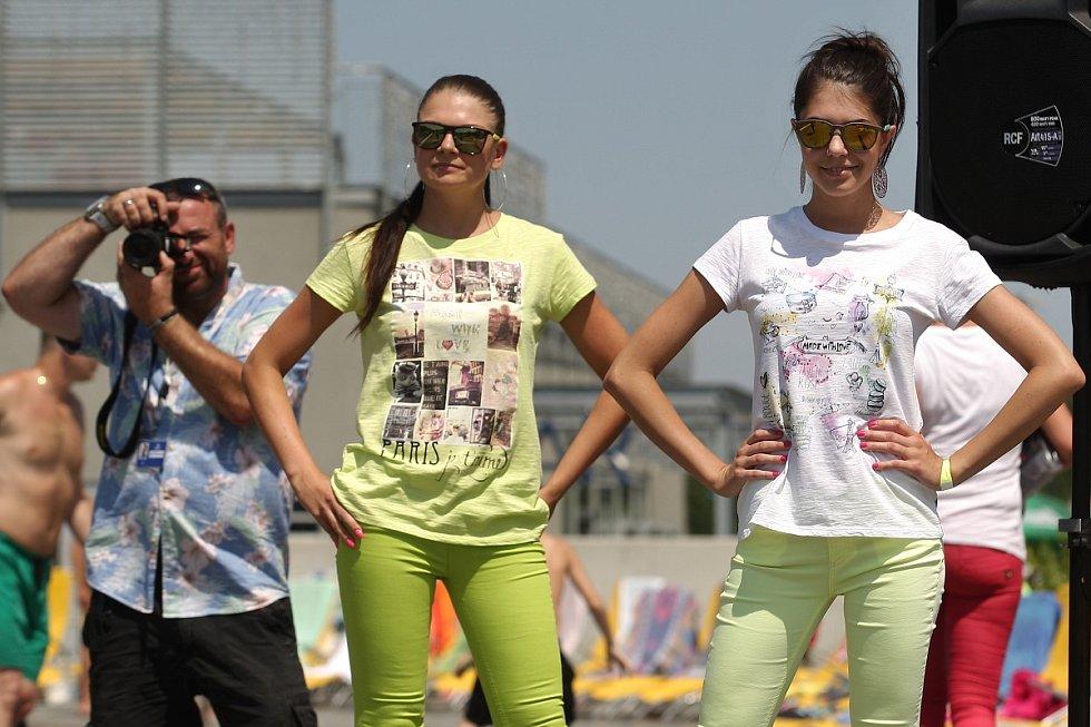 Pořadatelé si pro návštěvníky na sobotu připravili speciální program, takzvaný Fashion Day.