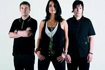 Kapela Kosheen, kteří získali dvě nominace na Brit Awards, patří k britským kapelám nejčastěji vystupujícím v České republice.