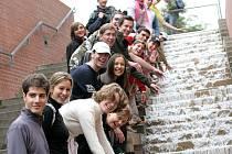 Vodní schody pod Petrovem mohou sloužit i jako zábava pro mládež
