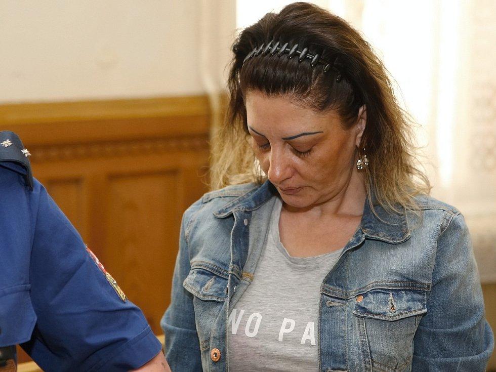Marta Kurková u soudu.