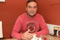Libor Došek strávil ve Zbrojovce jedenáct sezon a na fotbalovou cestu se dali i jeho synové. Starší Libor hraje za Slovácko, kariéru mladšího Petra zabrzdilo zranění a nyní je organizační manažer Zbrojovky.