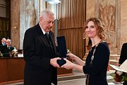 Předávání Cen města Brna. František Konvička a primátorka Markéta Vaňková.