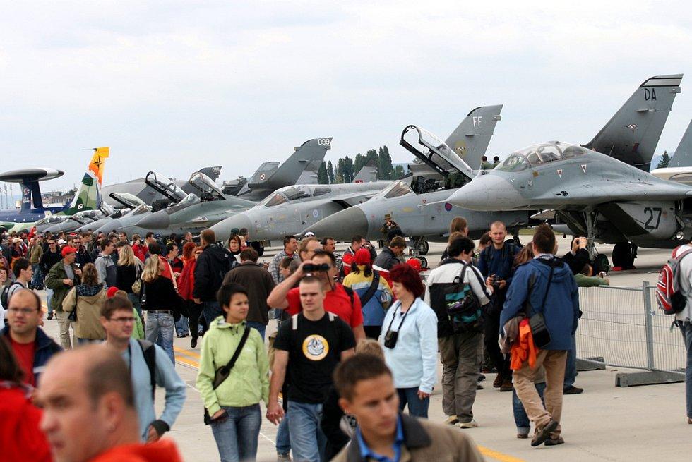 Čtrnáctý ročník mezinárodního leteckého festivalu CIAF 2007 v Brně-Tuřanech
