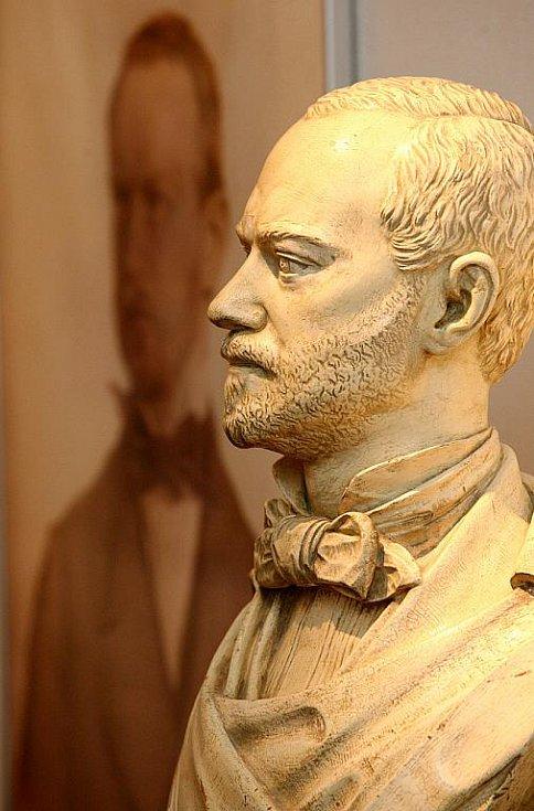 Výstava v Brně věnovaná Adolfu Loosovi.