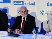 Jihomoravský hejtman Bohumil Šimek při panelové diskuzi na brněnské hvězdárně.