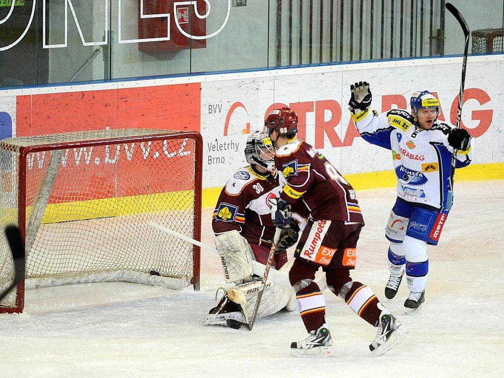 Hokejisté Komety v utkání se Spartou.