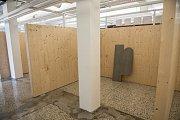 Nově otevřená tržnice na Zelném trhu v Brně ztrácí prodejce. Jsou nespokojení a odchází.