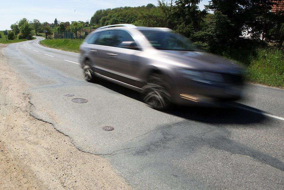 Na opravu jihomoravských silnic poputuje skoro miliarda korun.