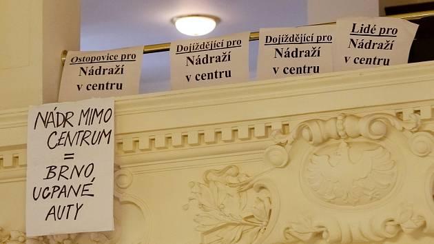 Jednání zastupitelstva Jihomoravského kraje o přesunu brněnského nádraží.