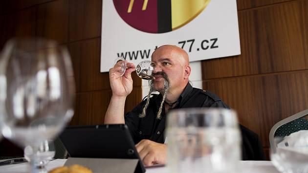 Vinařská soutěž TOP77 vín.