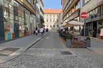 Úsek mezi Jakubským a Moravským náměstím v centru města, kde požadují zástupci spolku Brno na kole zřídit cykloobousměrku.