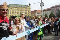 Majálesový průvod zahájil největší studentský festival v Brně.