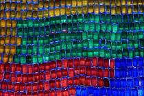 Ledové včelí úly v brněnských Husovicích. Pestré barvy připomínaly Lego kostky.