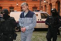 Jiří Večer u brněnského soudu.