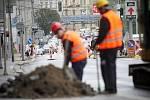 Opravy silnice v okolí Koliště. Ilustrační foto.