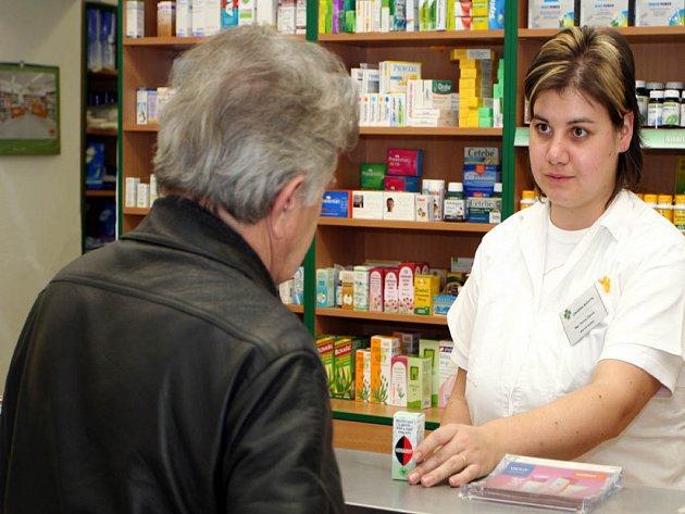 Vysvětlovat změny musela i Helena Žáková, pracovnice lékárny v ulici Milady Horákové.