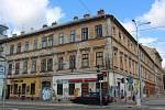 Město Brno prodá dva zchátralé domy číslo 17 a 19 v dražbě a utržené peníze vloží do Fondu rozvoje, z něhož platí opravy a rekonstrukce dalších městských domů. Obě budovy přitom chtělo město ještě před třemi lety rekonstruovat a vybudovat v nich až 70 byt