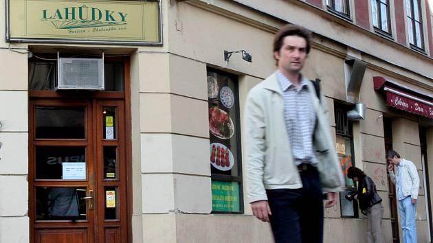 Lahůdkářství na rohu ulic Solniční a Česká bylo už téměř před sto lety.