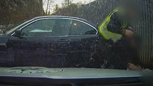 Šofér chtěl hlídce ujet na letních pneumatikách