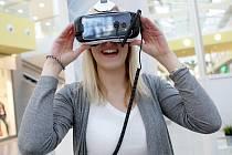 Interaktivní výstava 3D světa v nákupním centru Olympia. Lidem tam ukazují například holografické projekce, zabaví je i speciální brýle.