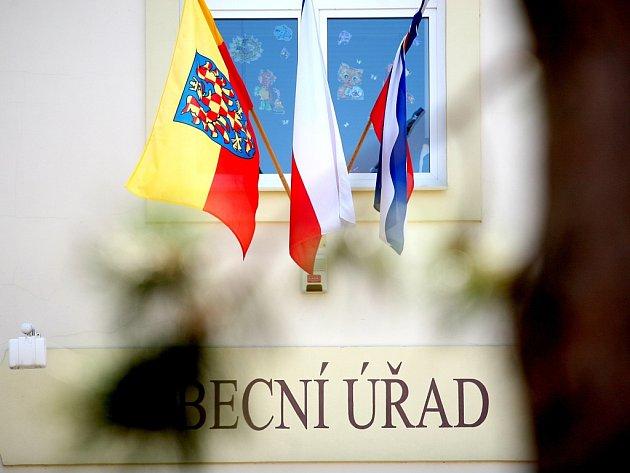 Oslavit výročí příchodu věrozvěstů Cyrila a Metoděje nejen mší, ale také vyvěšením moravské vlajky se rozhodlo skoro čtyři sta radnic.