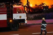 Požár ubytovny u továrny Zetor.
