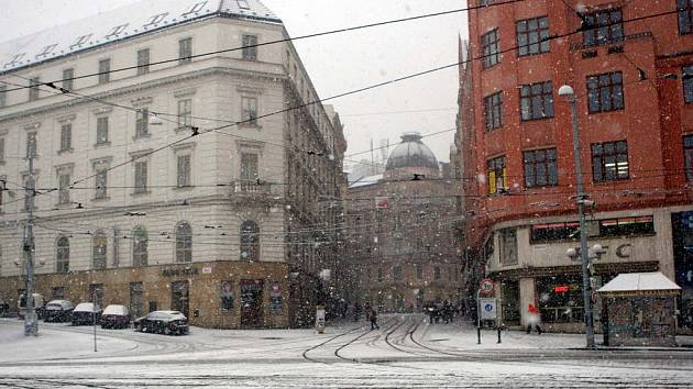 Místo brány je nyní na jejím místě ústí Masarykovy ulice vedoucí do středu města.
