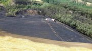 Několik desítek hektarů pole a lesa podle prvotního odhadu hasičů vzplálo v pátek odpoledne nedaleko skládky u Hrušovan u Brna. Škoda je v desítkách tisíc korun.