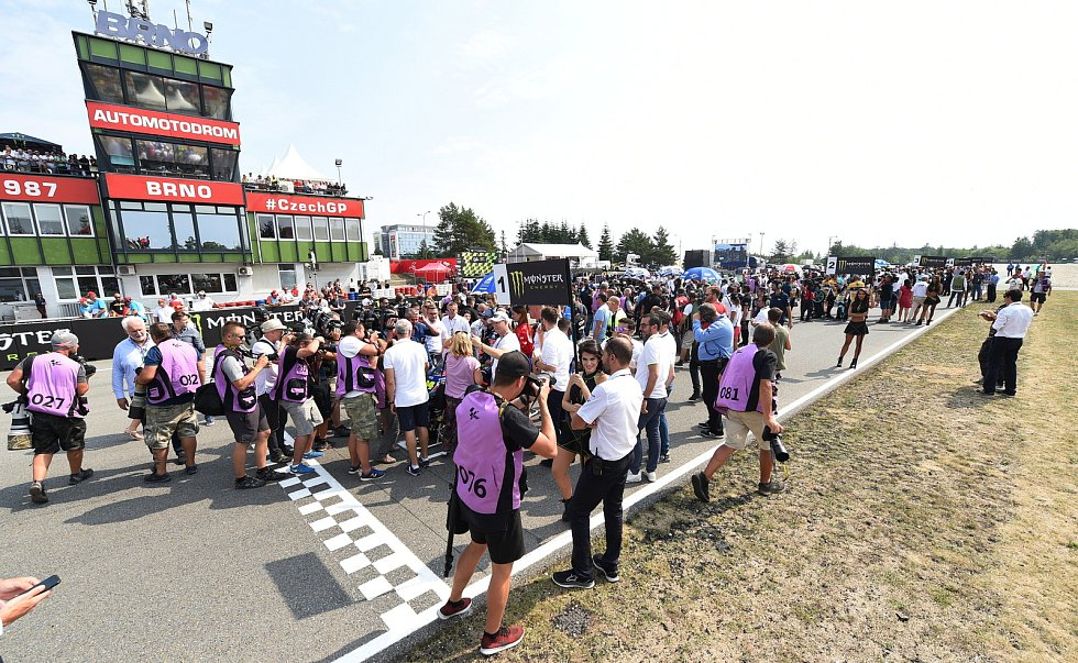 Nedělní Grand Prix České republiky.