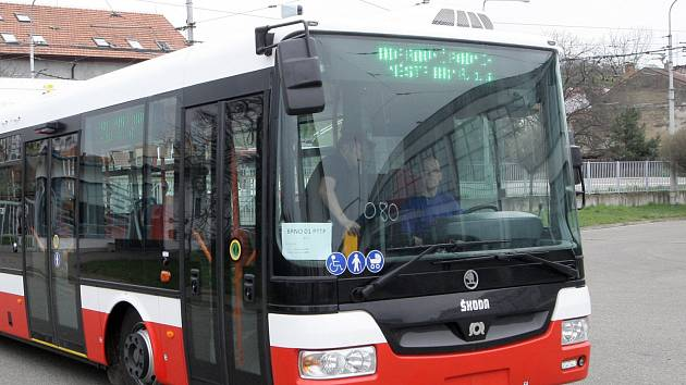 Opraví vozovnu trolejbusů v Komíně. Po devatenácti letech je v havarijním stavu