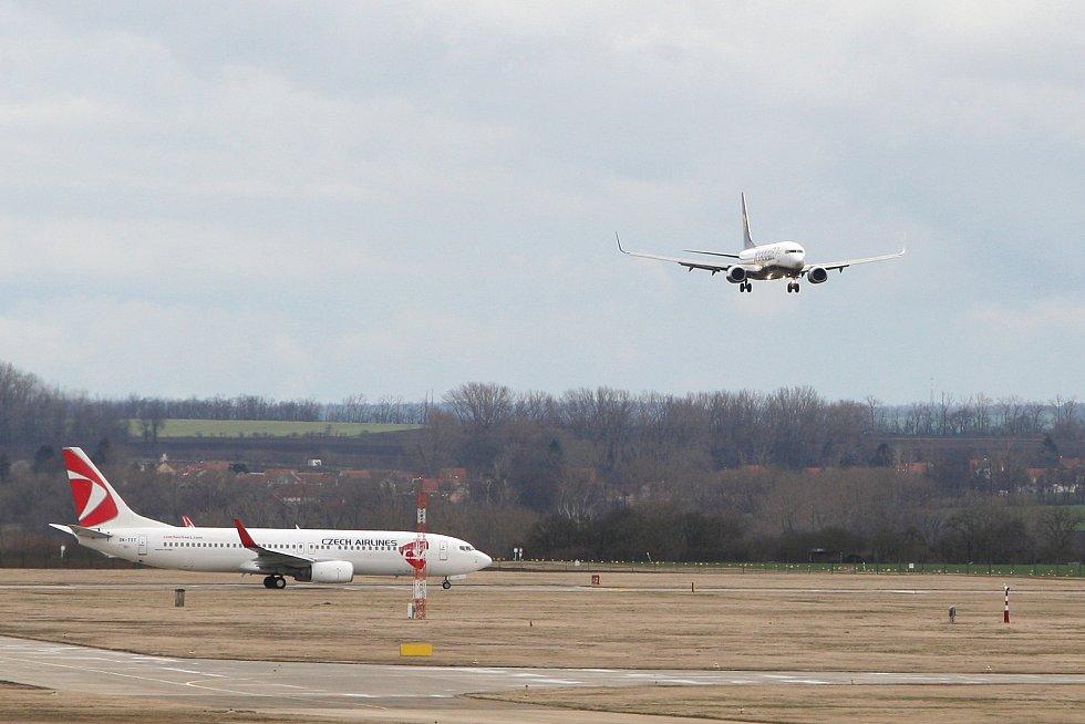 Letiště Brno 26.2.2020 - přílet letadla z Bergama v Itálii