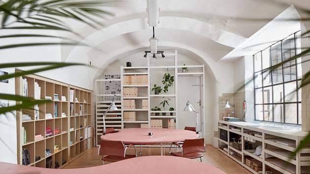 Architekti brněnského studia Kogaa v posledních letech proměnili například objekt bývalé palírny v Pekařské ulici. Po jejich zásahu v původně zchátralé budově vznikl třeba coworkingový prostor.