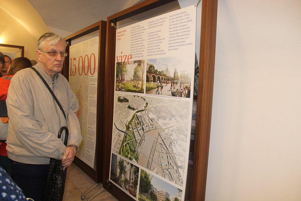 V Brně odhalili lavičku Václava Havla. U příležitosti jeho narozenin.