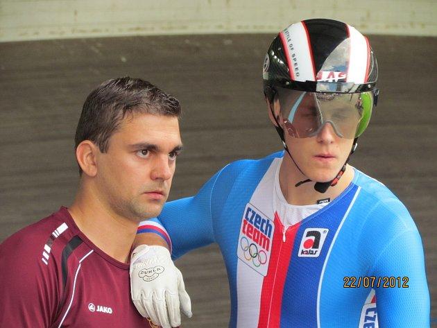 Pavel Kelemen s reprezentačním trenérem sprinterů Petrem Klimešem.