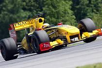 První závod formule Renault na Masarykově okruhu v Brně.