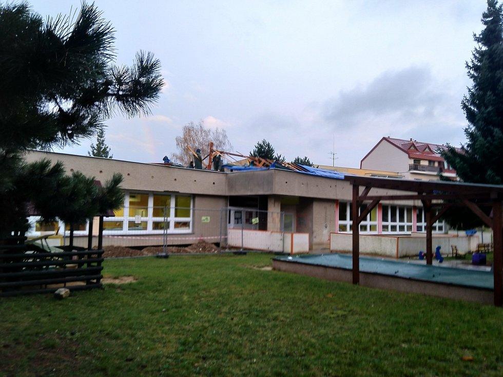 Do jedné třídy mateřské školy Laštůvkova v brněnské Bystrci v minulém týdnu zateklo.
