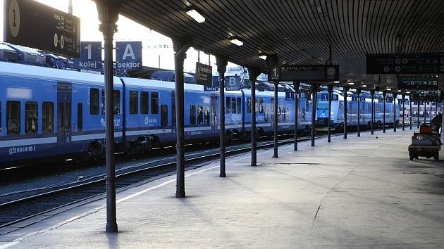 Hlavní vlakové nádraží v Brně při výluce.