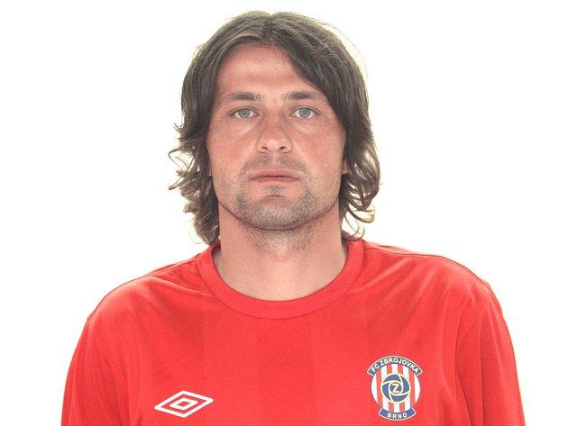 Záložník fotbalové Zbrojovky Pavel Zavadil.