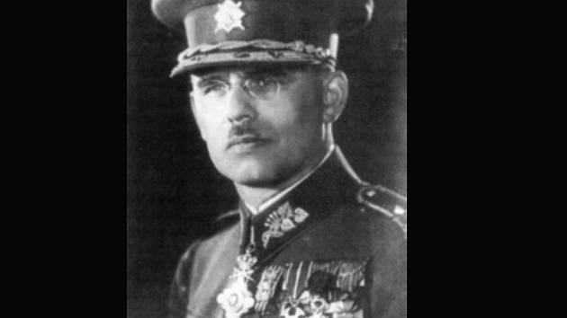 Armádní generál Vojtěch Luža.