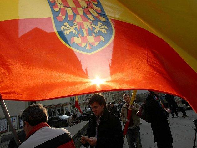 Pochod Moravanů k příležitosti sčítání lidí.