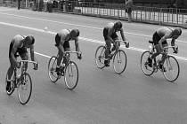Natržená ledvina i voda v koleni málem připravily bývalého cyklistu brněnské Dukly Vlastibora Konečného o největší úspěchy kariéry.